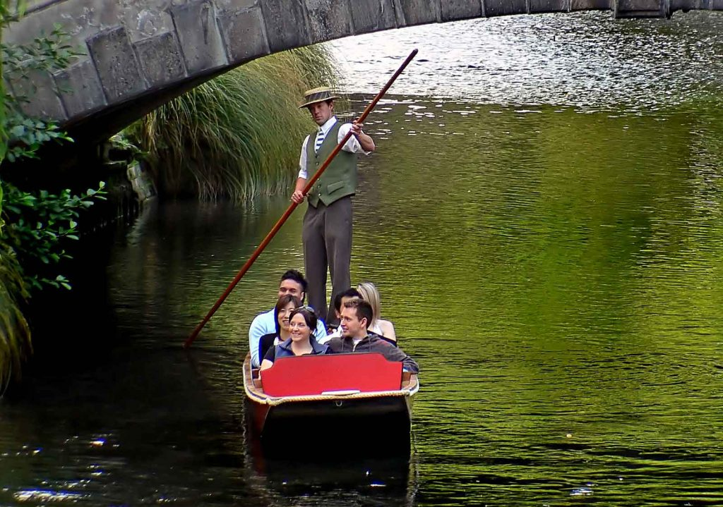 An ultimate guide to Oxford will have to include a punting trip - visitors can go around and enjoy the beauty of the city on a punting tour.