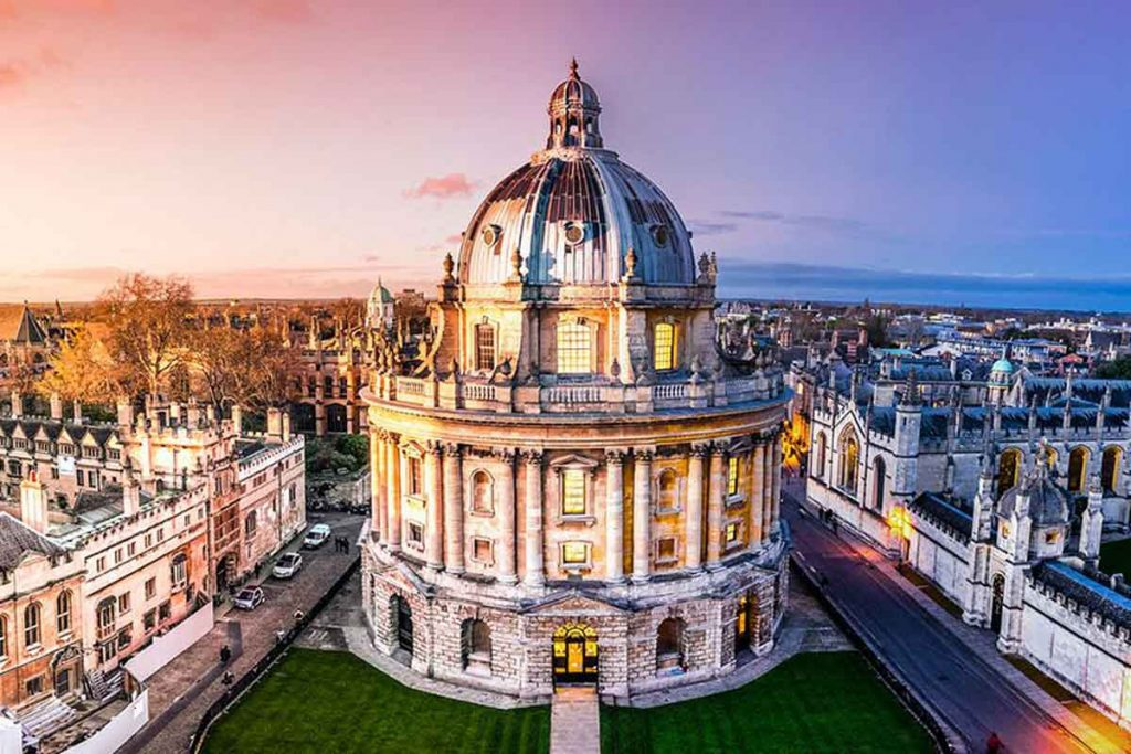 University of Oxford is one of the most beautiful universities in Britain.