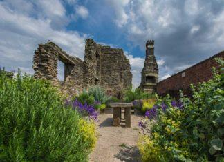 Sheffield Manor Lodge ruins