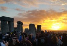 Photo of sunrise at Stonehenge