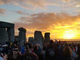 Photo of sunrise at Stonehenge
