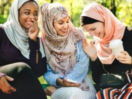 Photo of three young Muslim women